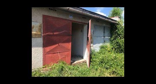 Ponúkame na predaj garáž v BB