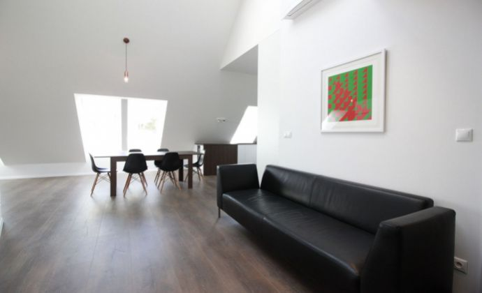 Veľký 3-izb. byt s terasou a parkingom v novostavbe v centre/Spacious 3-room (2 bedroom) apartment with terrace and parking in the City center (Jozefská Street)