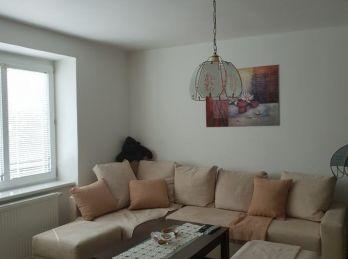 Rezervovaný 2.izb byt v tehlovej bytovke v Nitre v centre NOVÁ CENA