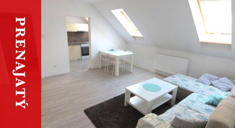 PRENAJATÝ: Podkrovný 2i byt | nový | 62 m2 | zariadený | Žilina | centrum | realitný maklér