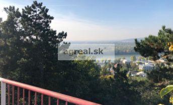 Pozemok s výhľadom na Dunaj a okolie v BA I.