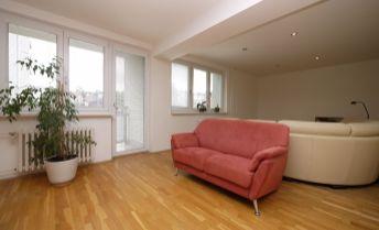 4-izbový byt Svetlá ulica, čiastočne zariadený, možnosť parkovania