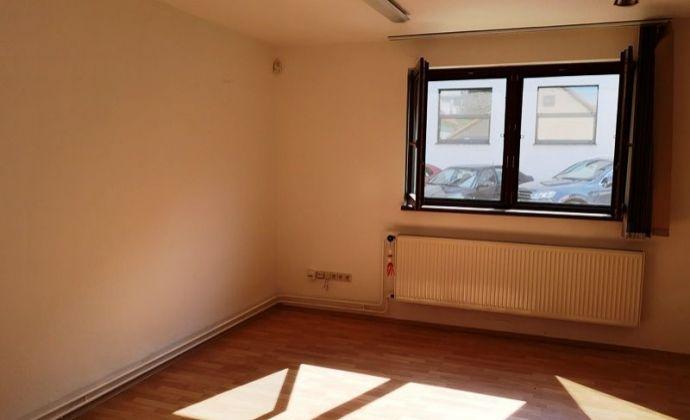 Prenájom 2izb. rodinného domu v Prievoze ÚP 60 m2, iba na podnikanie (nie je  určený na bývanie).