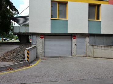 PREDAJ - vnútorné garážové státie v bytovom komplexe ABA - Betliarska ulica