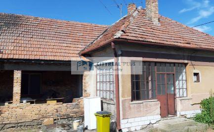 Predám starší rodinný dom v obci Dvory nad Žitavou