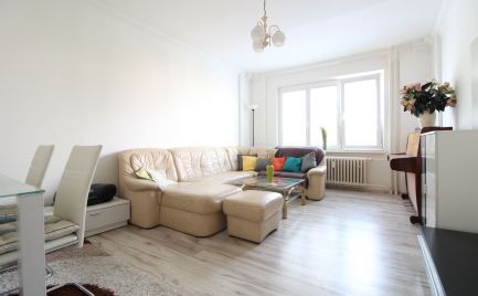 DOM-REALÍT ponúka na prenájom zariadený 4 izbový byt