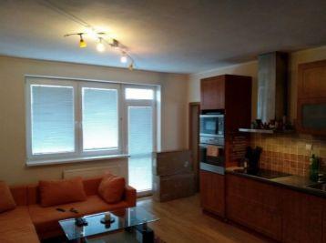 1,5 izbový byt v pokojnej lokalite