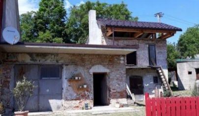 PÚCHOV rodinný dom prestavba 297m2