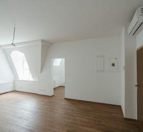 StarBrokers – PREDAJ: 1-izb. byt 38,80 m2 na 5 NP - historické centrum PALISÁDY - Gunduličova ul. Bratislava Staré Mesto
