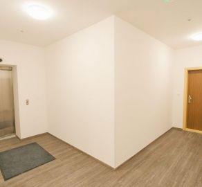 StarBrokers – PREDAJ: 2-izb. byt 42,99 m2 na 5 NP - historické centrum PALISÁDY - Gunduličova ul. Bratislava Staré Mesto