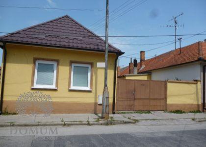 DOMUM – bývanie a biznis v jednom - rodinný dom na veľkom pozemku v Piešťanoch,1802 m2.