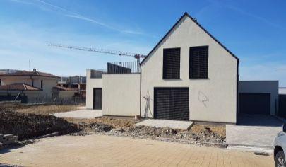 PREDAJ 7-izb. RD, 274m2, novostavba, veľký pozemok 869m2, Záhorská Bystrica
