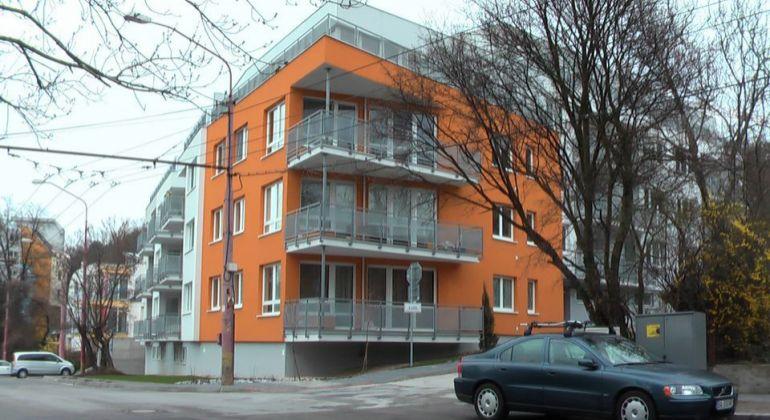 Realitná kancelária Pegas real Vám exkluzívne ponúka na prenájom 2 izbový byt v Bratislave na ulici K lomu