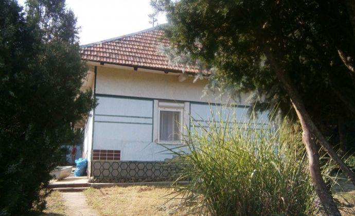 Útulný rodinný dom, vhodný aj na rekreačné využitie v obci Jasová na predaj!