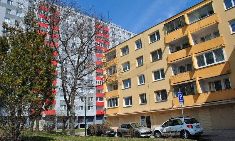 ponukabyvania.sk_Ušiakova_4-izbový-byt_archív