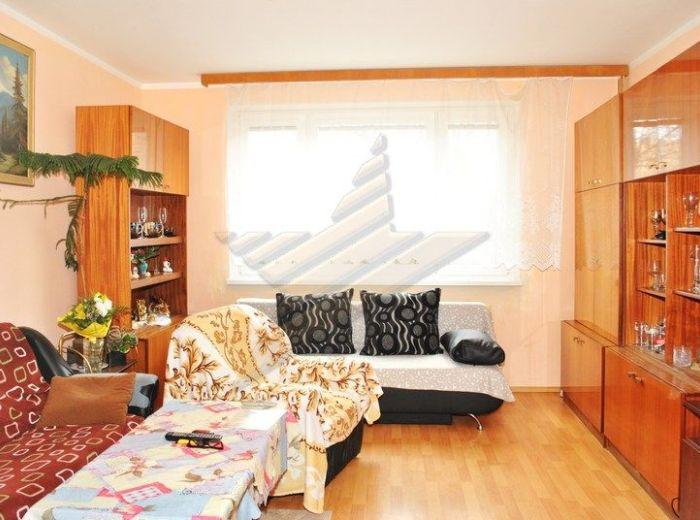 PREDANÉ - LIETAVSKÁ, 3-i byt, 72,8 m2 - čiastočná rekonštrukcia, 4-PODLAŽNÝ bytový dom s VÝŤAHOM, výhľad do parku, VÝBORNÁ CENA