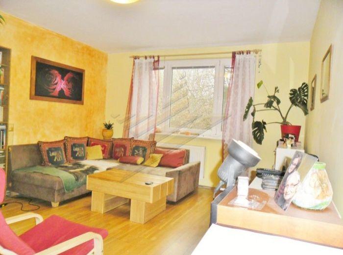 PREDANÉ - LIETAVSKÁ, 4-i byt, 87 m2 - VÝBORNÁ DISPOZÍCIA, vo vyhľadávanom 4. posch. dome, KVALITNÁ REKONŠTRUKCIA, na skok od Draždiaka, VÝHĽAD DO PARKU