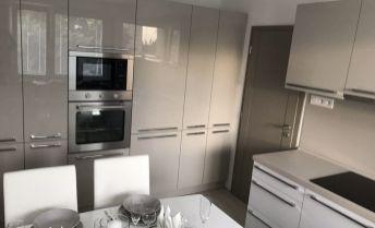 Luxusný 3 izbový byt - nový