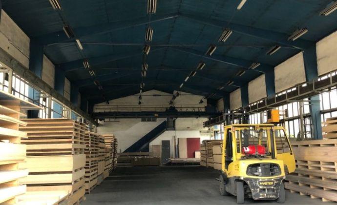 Na prenájom veľká priemyselná hala v Prievidzi