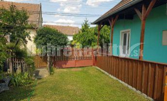 Exkluzívne len u nás --- Na predaj zrekonštruovaný vidiecky domček len 7 km od Podhájskej, tichá lokalita, pekné prostredie !!!