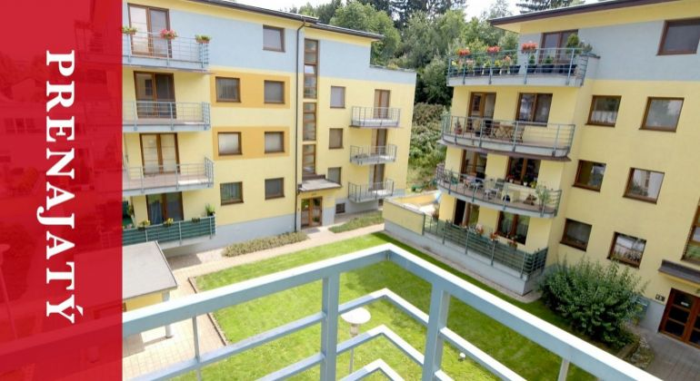 PRENAJATÝ: Prenájom | 96 m2 byt | 22 m2 terasa | centrum mesta | garáž | zariadený byt