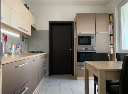 3 izbový byt  balkónom Topoľčany s klimatizáciou / VYPLATENA ZALOHA