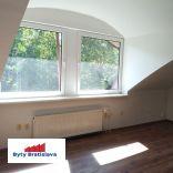 RK Byty Bratislava ponuka na prenájom 65m2 obchodný priestor v OD Slimák.