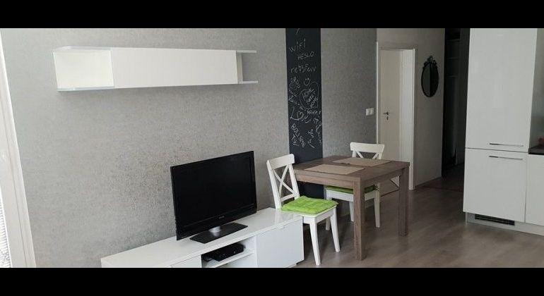 Prenájom 2 izbový byt Bratislava-Dúbravka, Pri Hrubej lúke