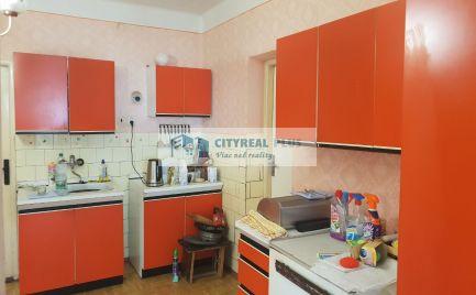 Ponúkame Vám na predaj rodinný dom v meste Štúrovo