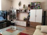 --PBS-- TEHLOVÝ KOMPLETNE prerobený 3.-izbový byt s BALKÓNOM o výmere 60 m2, Hospodárska ulica