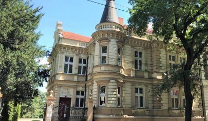 PRENÁJOM KANCELÁRSKYCH PRIESTOROV: VILLA ŠTEFÁNIKOVA, 139,6 M2, BA - STARÉ MESTO - ŠTEFÁNIKOVA ULICA