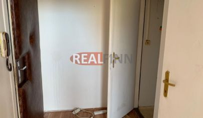 REALFINN  - NOVÉ ZÁMKY  - 1 izbový byt na predaj na síslisku JUH