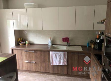 3 izbový veľkometrážny byt v Partizánskom na predaj - kompletná rekonštrukcia!