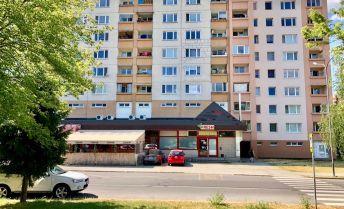 PRENÁJOM Obchodný priestor 113 m2 so zázemím 14 m2 Veľkonecpalská, Prievidza