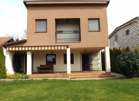 StarBrokers - PREDAJ: Exkluzívna chata/rodinný dom Hamuliakovo iba 20 km od Bratislavy