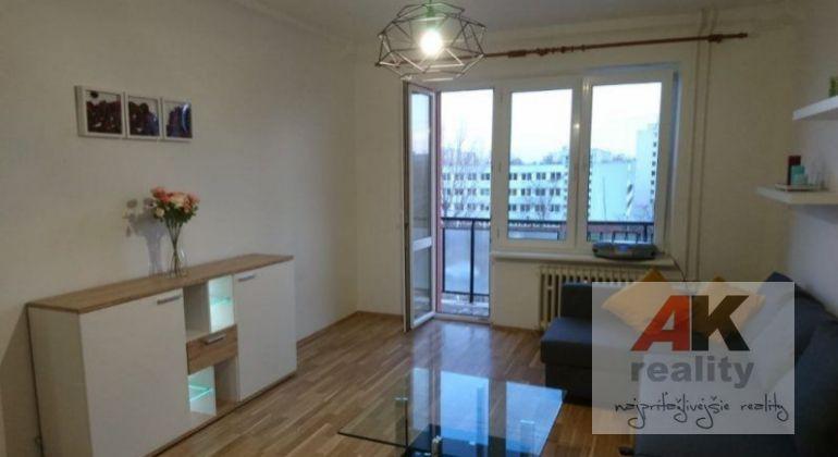 Prenájom 1,5 izbový byt Bratislava-Ružinov, Súmračná