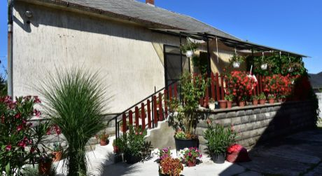 4 - 5 izbový rodinný dom 120 m2, pozemok 480 m2 - Rajka