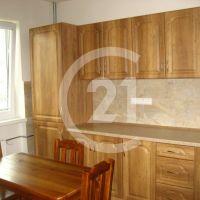 Rodinný dom, Cabaj-Čápor, 200 m², Kompletná rekonštrukcia