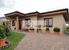 ACT REALITY - EXKLUZÍVNE -  Luxusný 4+1 rodinný dom, na slnečnom pozemku 714 m2, Malinová