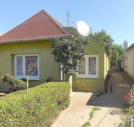 REZERVOVANÉ !!! StarBrokers – PREDAJ: 3 izbový sedliacky rodinný dom 113 m2 na 600 m2 pozemku v obci Čataj, okres Senec
