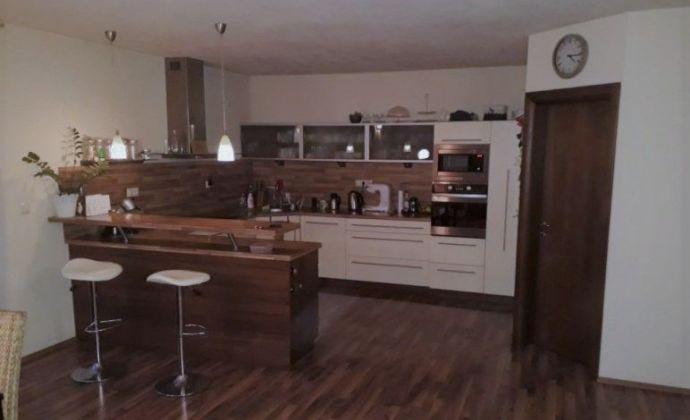 Predaj 5. izb. rodinného domu na 12á pozemku v Modre