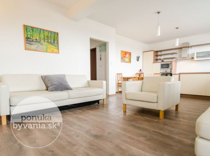 REZERVOVANÉ - HRADSKÁ, 4-i byt, 82 m2 - NOVOSTAVBA v TICHEJ uličke pri RUŽINOVE, 2 balkóny, KLIMATIZÁCIA