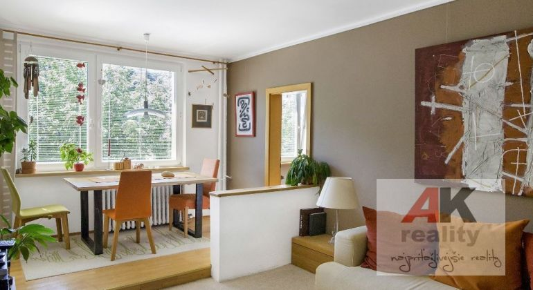 Predaj 3 izbový byt Bratislava-Dúbravka, Hanulova ulica