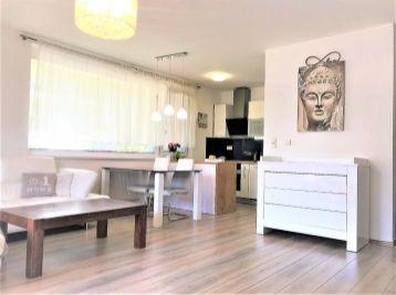 ***NA PREDAJ: Krásny 2 izb. byt s vlastnou záhradkou na ul. M.Granca v Dúbravke!!