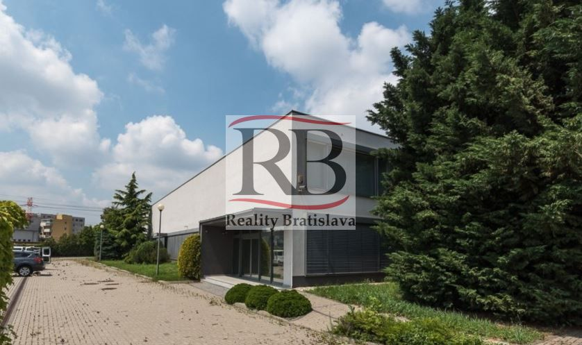 Administratívny objekt-Predaj-Bratislava - mestská časť Ružinov-1.00 €