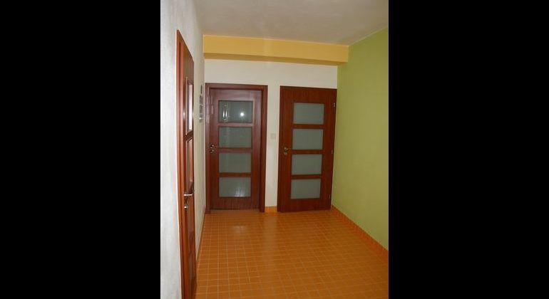 Prenájom 2 izbový byt Bratislava-Petržalka, Budatínska ulica
