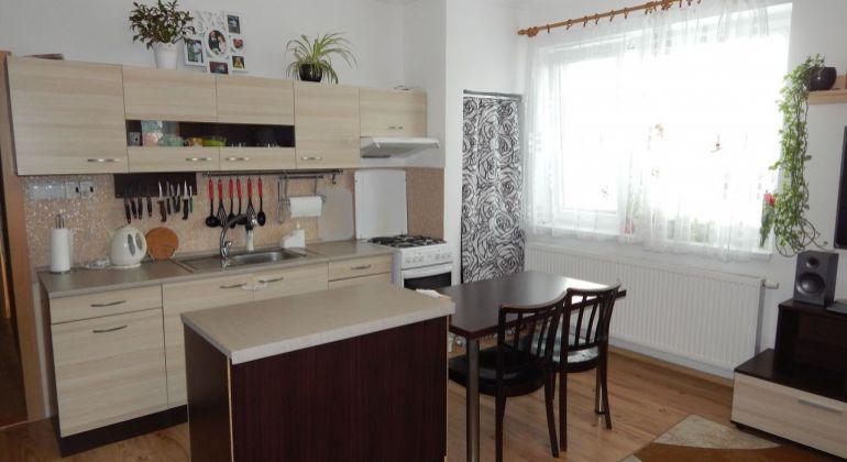 Na Predaj 2-izbový veľkometrážny byt, 71.52 m2, Nováky