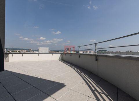 Na predaj 4 izbový penthouse 169 m2 s 2 terasami v projekte NUPPU