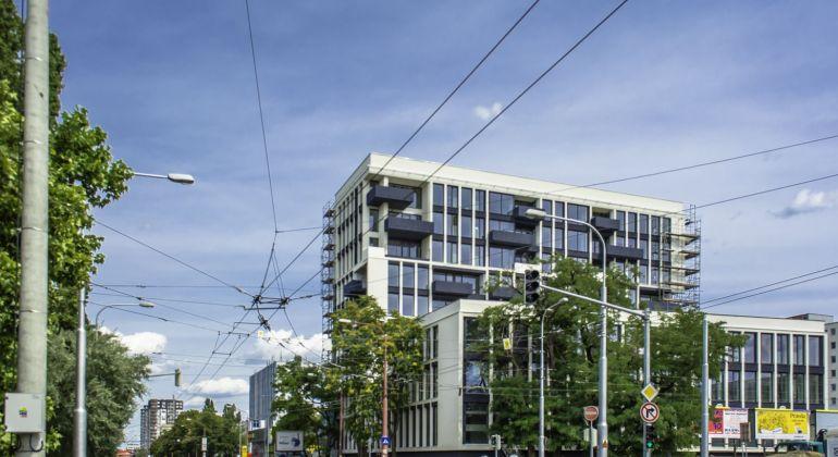 2 - izbové byty v unikátnom projekte bytového komplexu TREENIUM, ktorý vyniká architektúrou so živými stromami