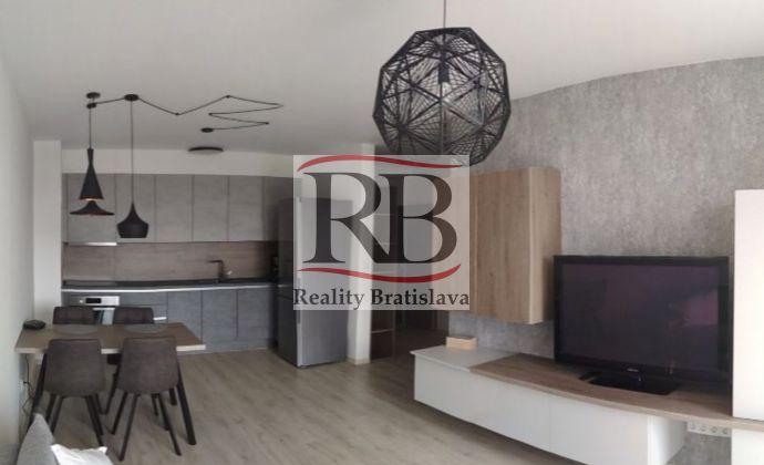 2izbový byt na Rusovskej ceste v Petržalke
